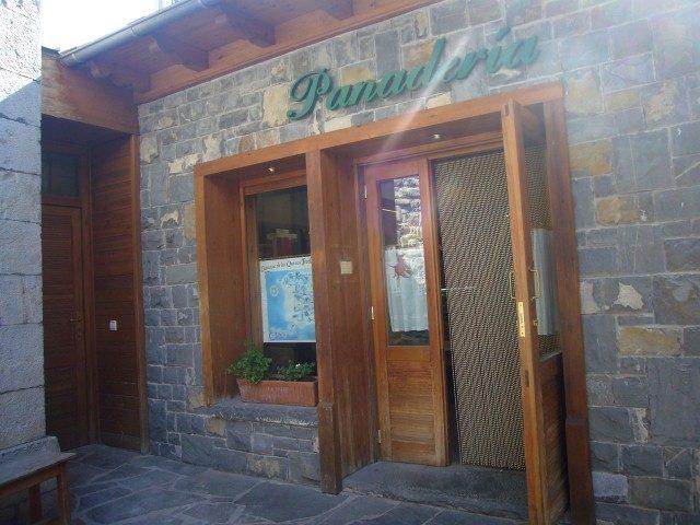 Panaderia Roncal (2).jpg